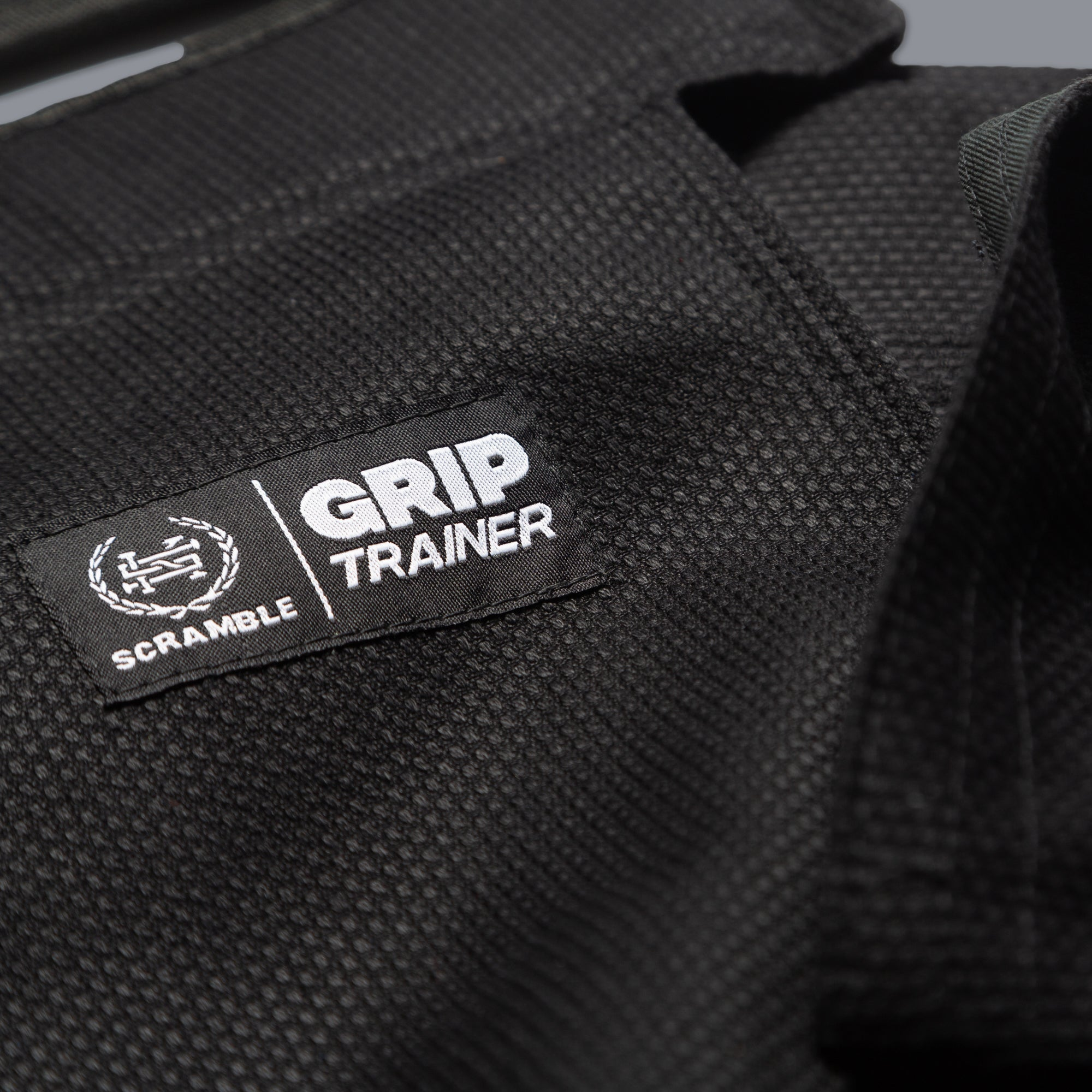 SCRAMBLE GRIP TRAINERS – NEW
