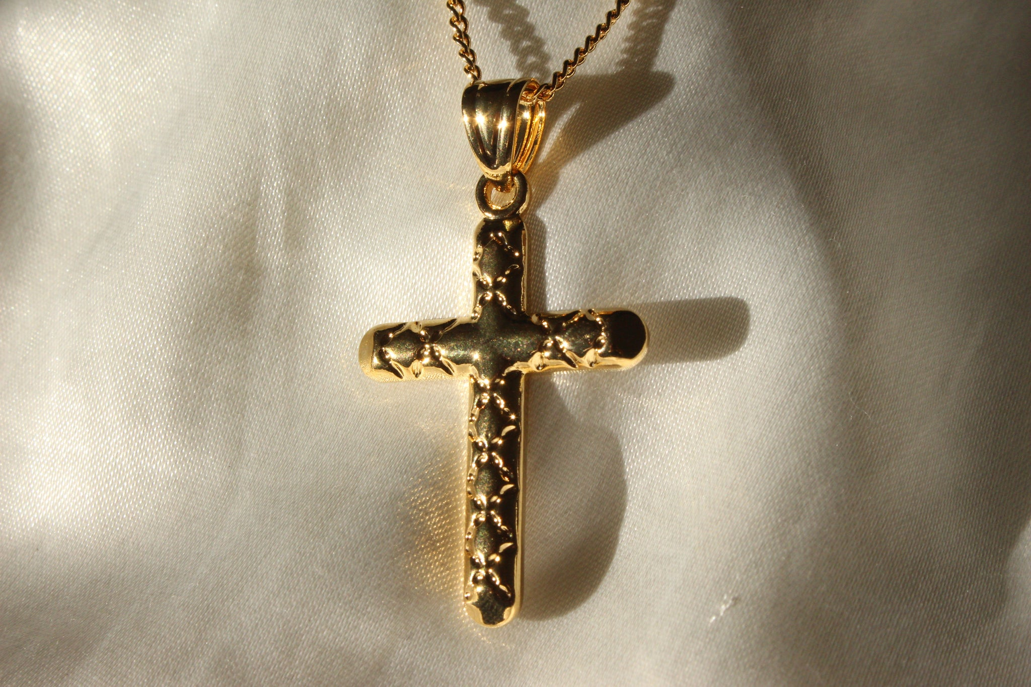 GOLD CROSS NECKLACE - Bling Ting