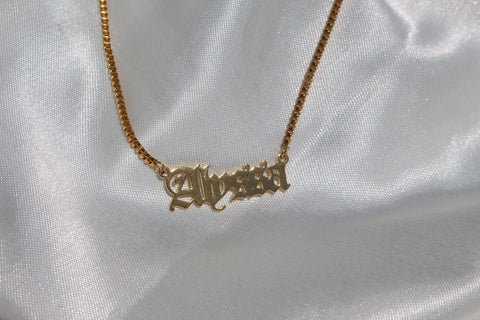 OLD ENGLISH NAME NECKLACE - Bling Ting