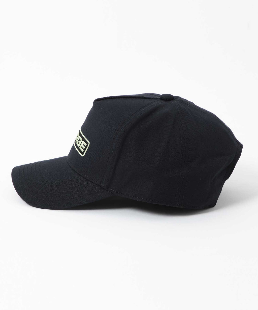 ROUNDED LOGO TRUCKER CAP - BLACK