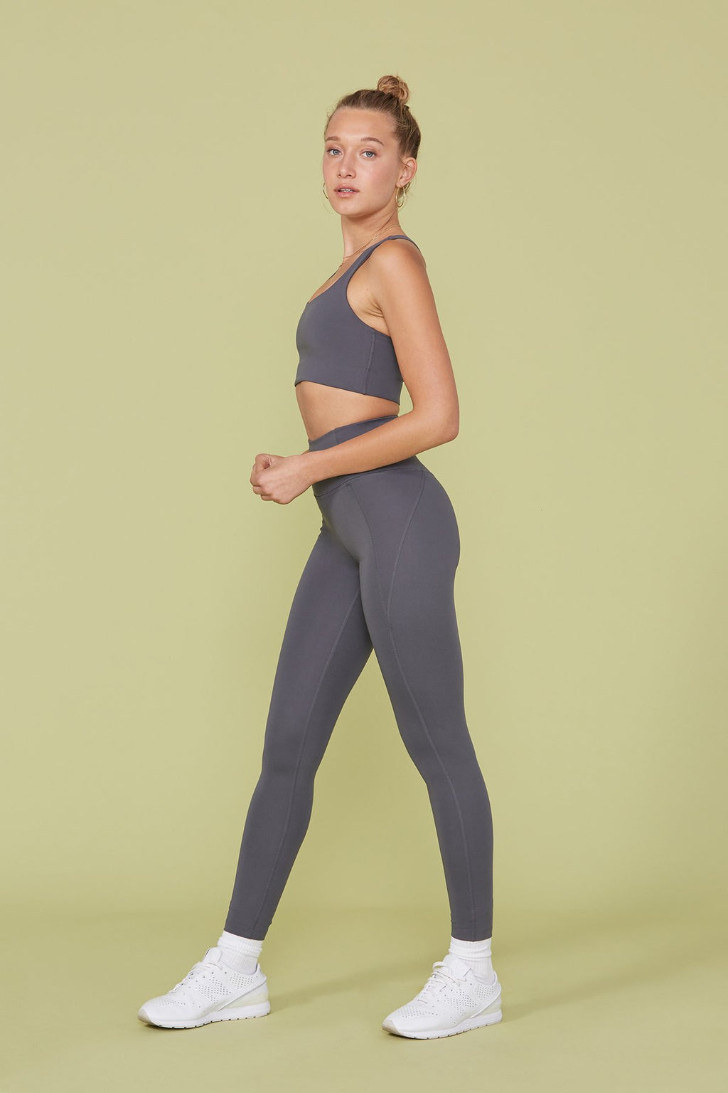 "COMPRESSIVE HIGH-RISE LEGGING 28.5"" - SMOKE"