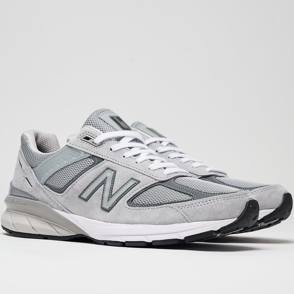 MADE IN US 990v5 - GREY WITH CASTLEROCK
