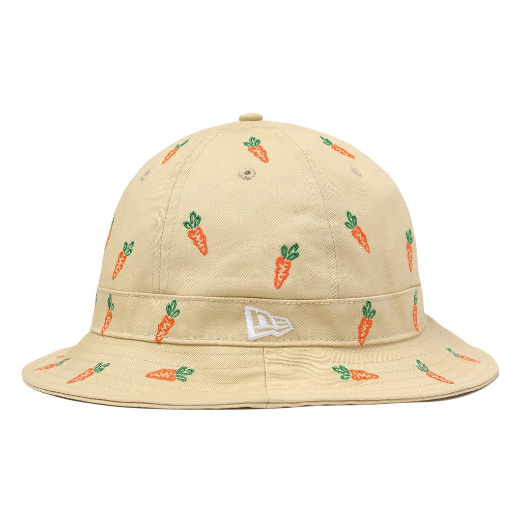 CARROTS ALL OVER BUCKET HAT