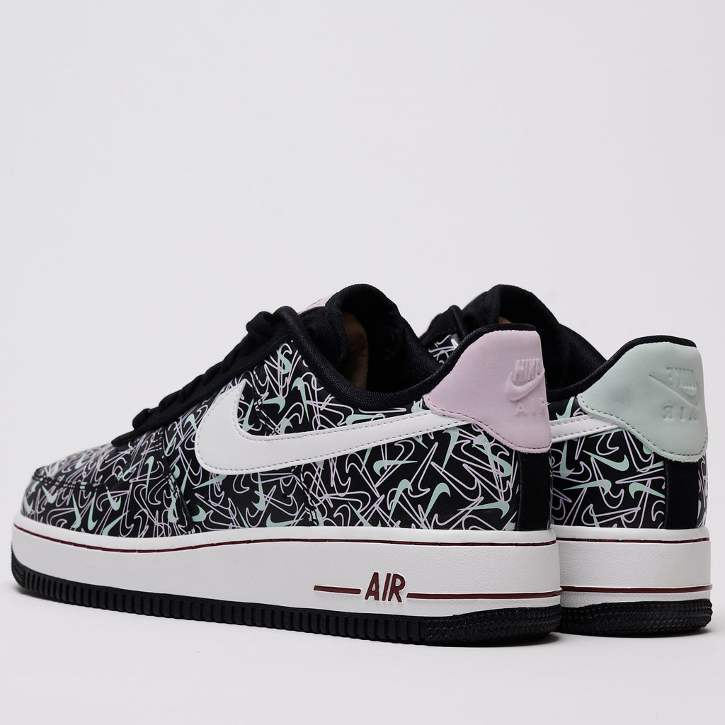 AIR FORCE 1 '07 SE VALENTINES DAY - BLACK/SUMMIT WHITE-PISTACHIO FROST