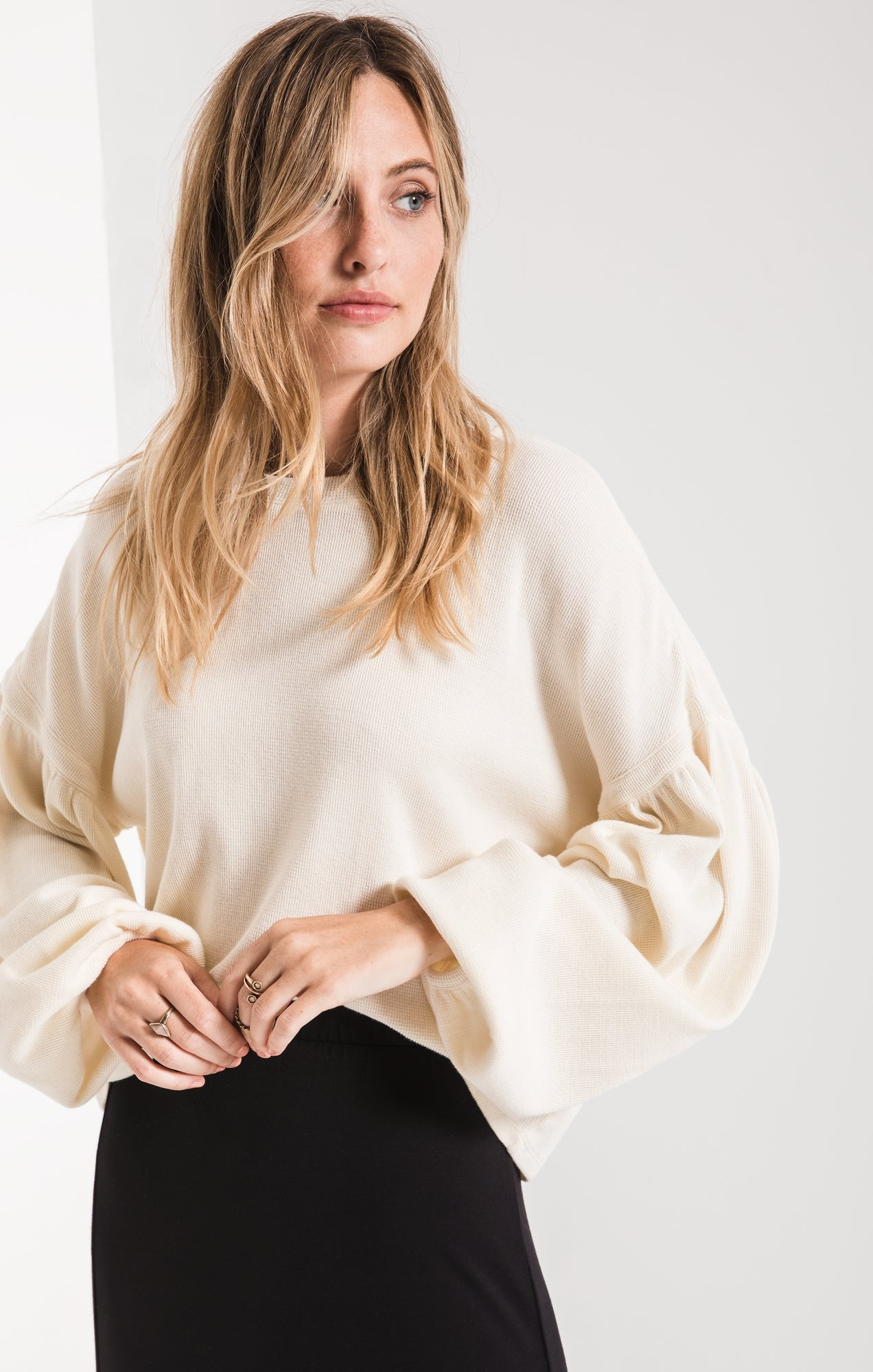 THE GATHERED SLEEVE WAFFLE TOP
