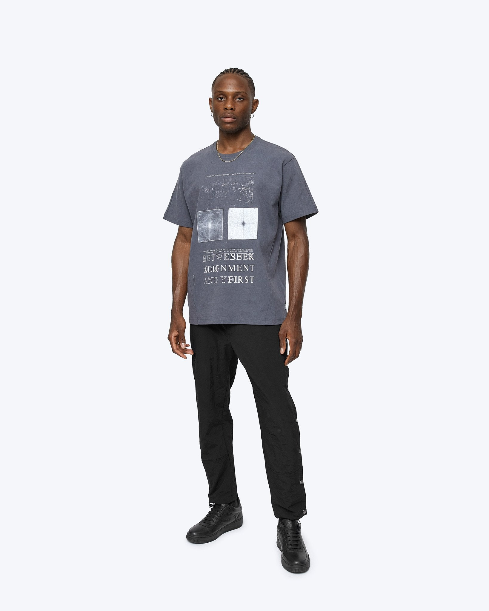 REIGNING CHAMP M'S T-SHIRTS HEAVYWEIGHT JERSEY ALIGNMENT T-SHIRT