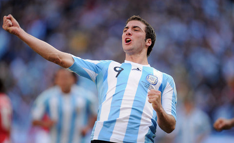 WHY DOESN'T ANYONE LOVE GONZALO HIGUAÍN?