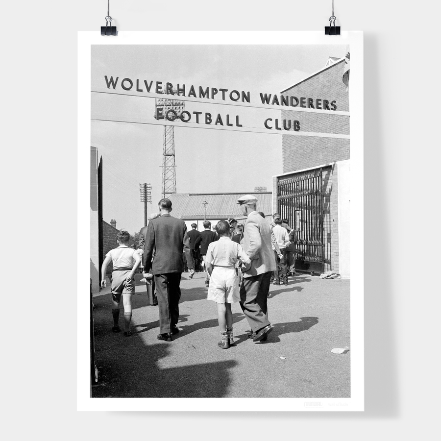 WOLVERHAMPTON WANDERERS FANS, 1959 - WELL OFFSIDE PHOTOGRAPHY