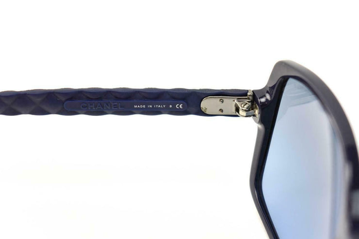 "CHANEL: Navy Blue & Burgundy Quilted Leather ""CC"" Logo Sunglasses (dz)"