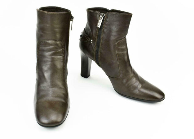 TOD'S: Dark Brown, Leather & Logo Ankle Boots Sz: 9.5M