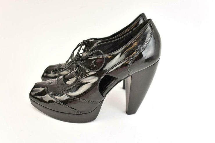 FENDI: Black, Patent Leather Peep-Toe Platform Heels/Pumps Sz: 7.5M