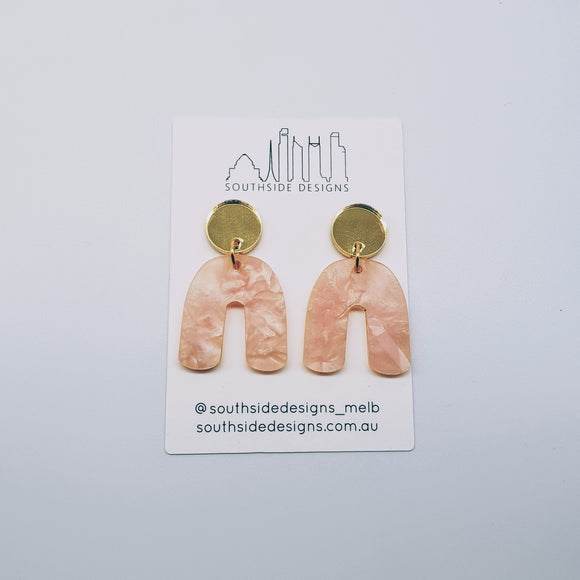 Mini Archie Dangles in Pastel Pink