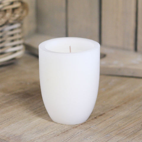 white-scented-pottle-candle