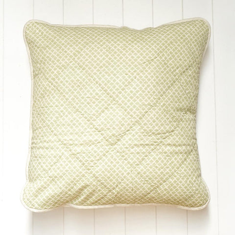 grass-pippa-euro-cushion