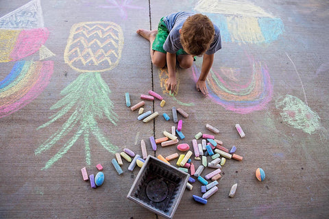 social distancing party activities with kids chaulk drawing for neighbor