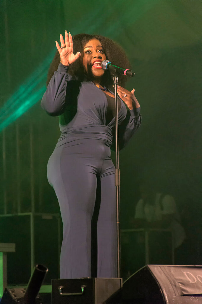 Etana stirs up the crowd, WCMF 2019