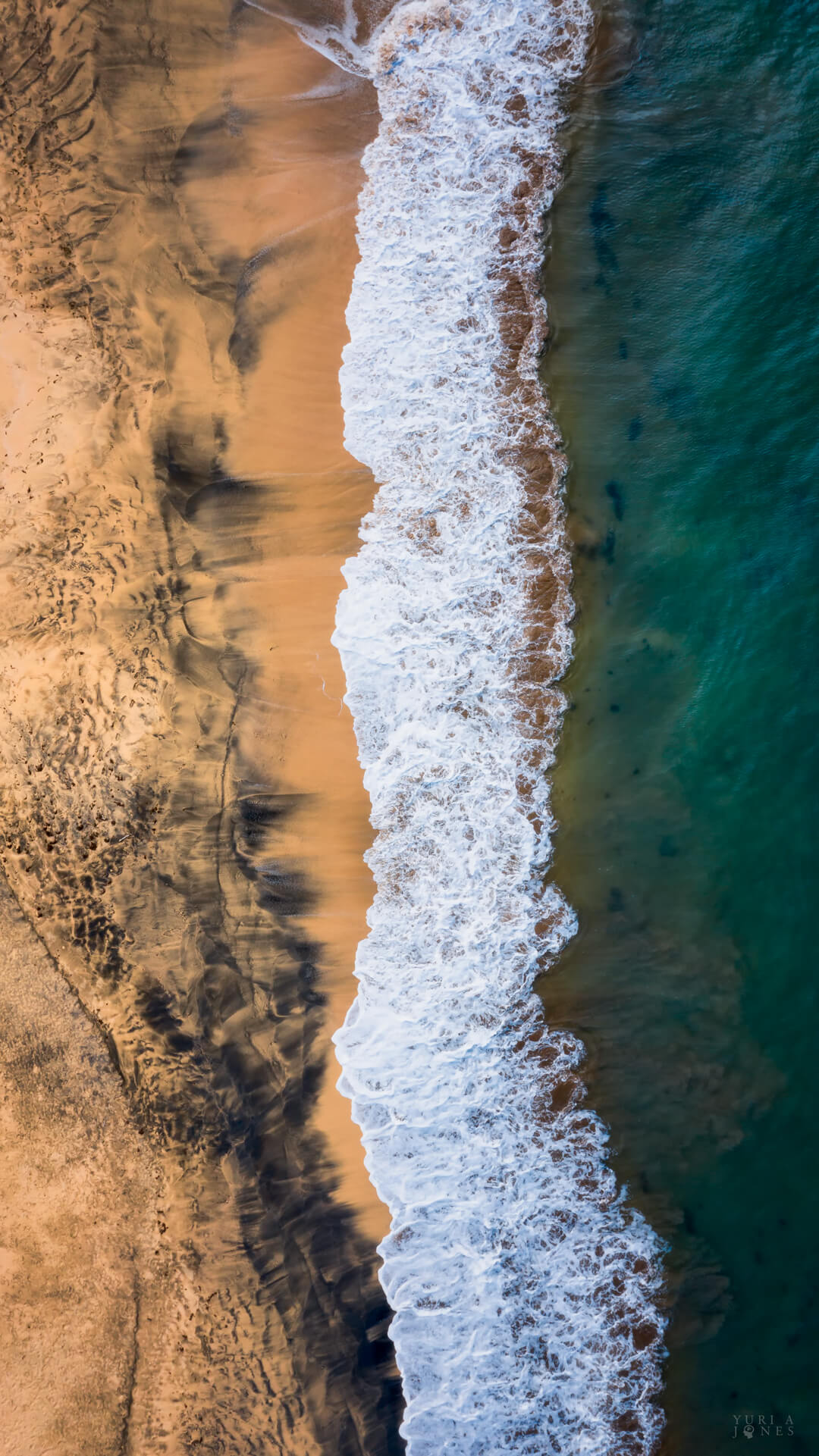 Woodford Hill Beach by Yuri A Jones (mobile wallpaper)