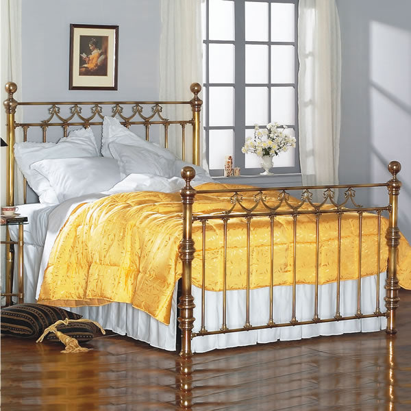 Bradvale Brass Bed - Queen Size