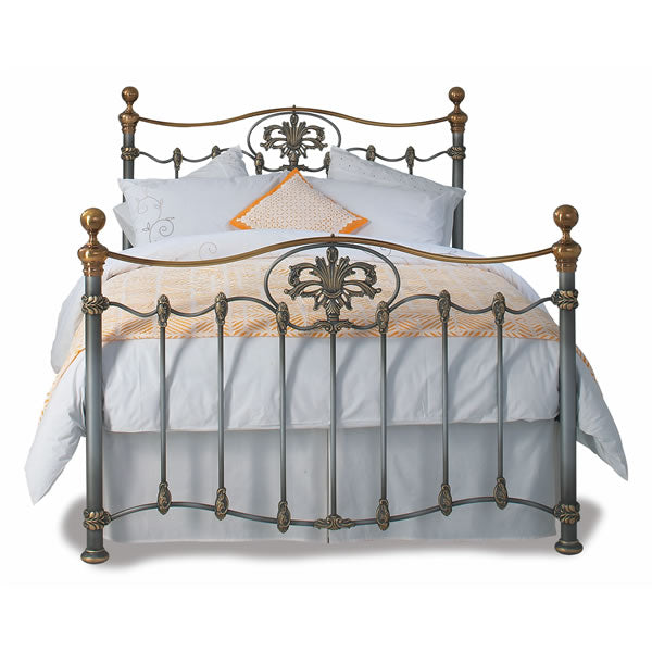 Camelot Cast Bed - Queen Size Silver Patina with Gold