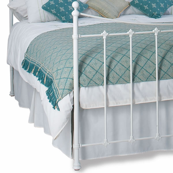 Chatsbury Cast Bed - Foot End