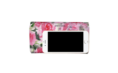 womens wallet contains iphone