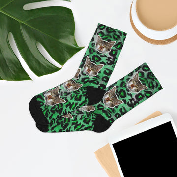 https://heidikimurart.com/collections/peanut-meow-cat/products/green-leopard-print-peanut-meow-cute-calico-cat-print-one-size-knit-socks-made-in-usa