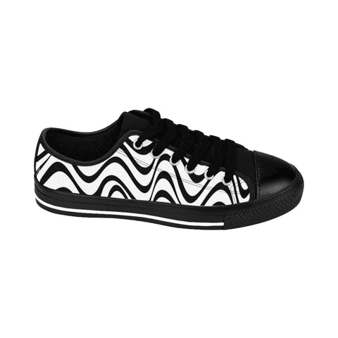 Black Waves Print Men's Sneakers, Geometric Wavy Designer Best Modern Men's Low Tops, Premium Men's Nylon Canvas Tennis Fashion Sneakers Shoes (US Size: 7-14)