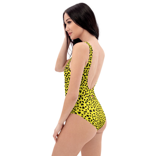 Yellow Leopard One-Piece Swimsuit, Cheetah Animal Print Luxury 1-Piece Unpadded Swimwear Bathing Suits, Beach Wear - Made in USA/EU/MX (US Size: XS-3XL) Plus Size Available