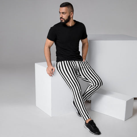 Black White Striped Men's Joggers, Vertical Stripes Modern Minimalist Slim-Fit Designer Ultra Soft & Comfortable Men's Joggers, Men's Jogger Pants-Made in EU (US Size: XS-3XL)