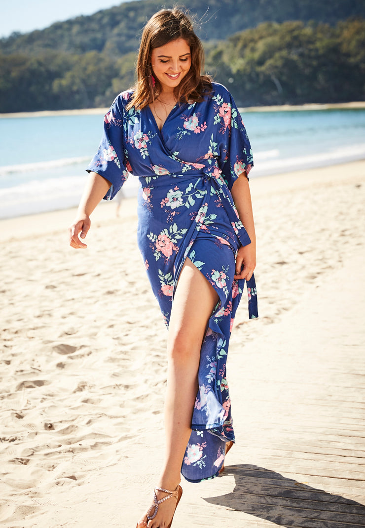 summer wrap dress for curvy women