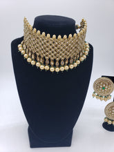 Load image into Gallery viewer, Choker/Earrings/Tikka Set
