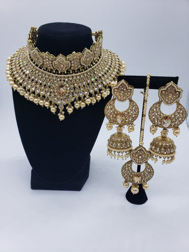 'Beauty' Choker/Earrings/Tikka Set