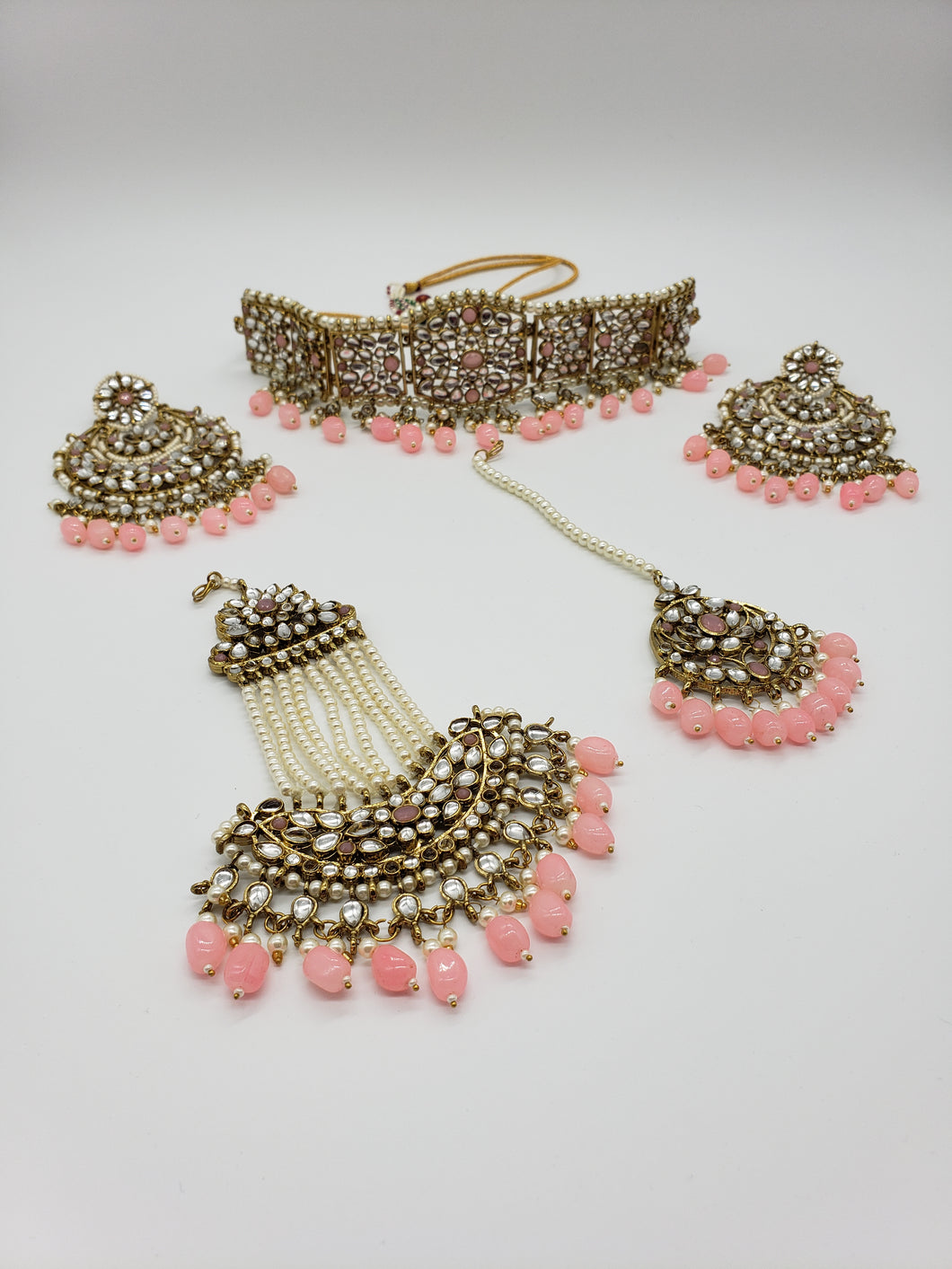 'Pretty In Pink'     Choker/Passa/Earrings/Tikka Set