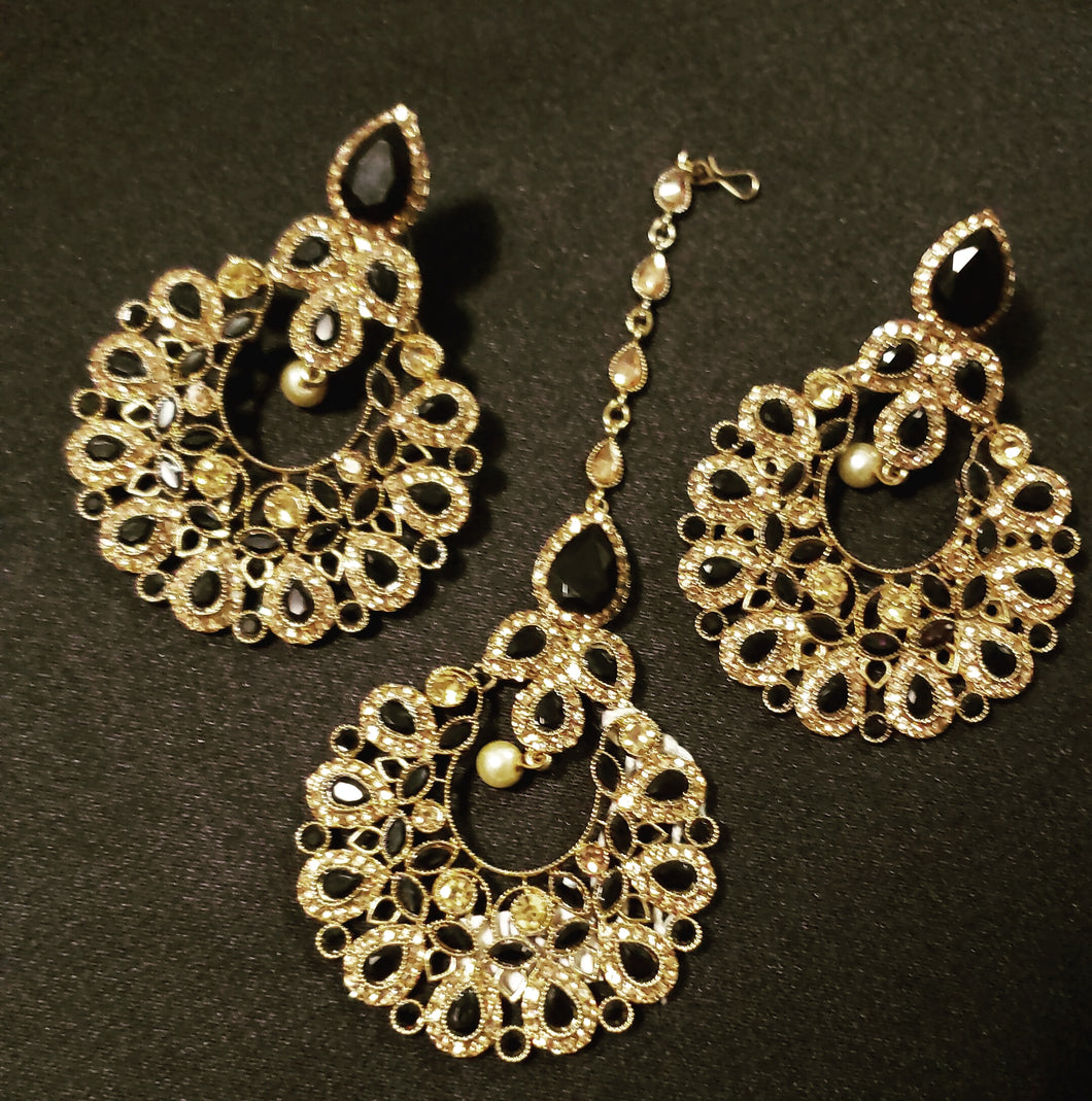 Black Earrings/Tikka