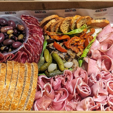 Antipasto with Marinated Vegetables and Mixed Olives (LARGE 14 - 18pp)