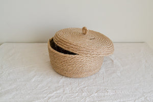 Jute storage basket with lid