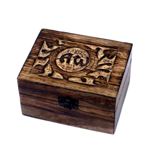 Aromatherapy Floral Carved Box, Holds 12