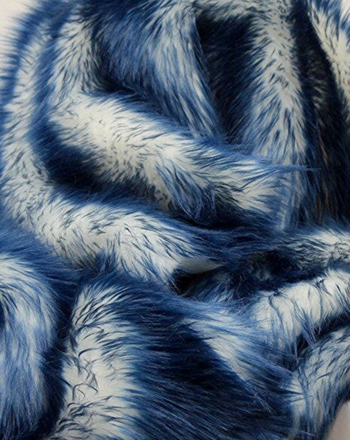 Navy Tipped White Shaggy Faux Fur Suede Back 4ft x 6ft Throw Blanket || Home Décor