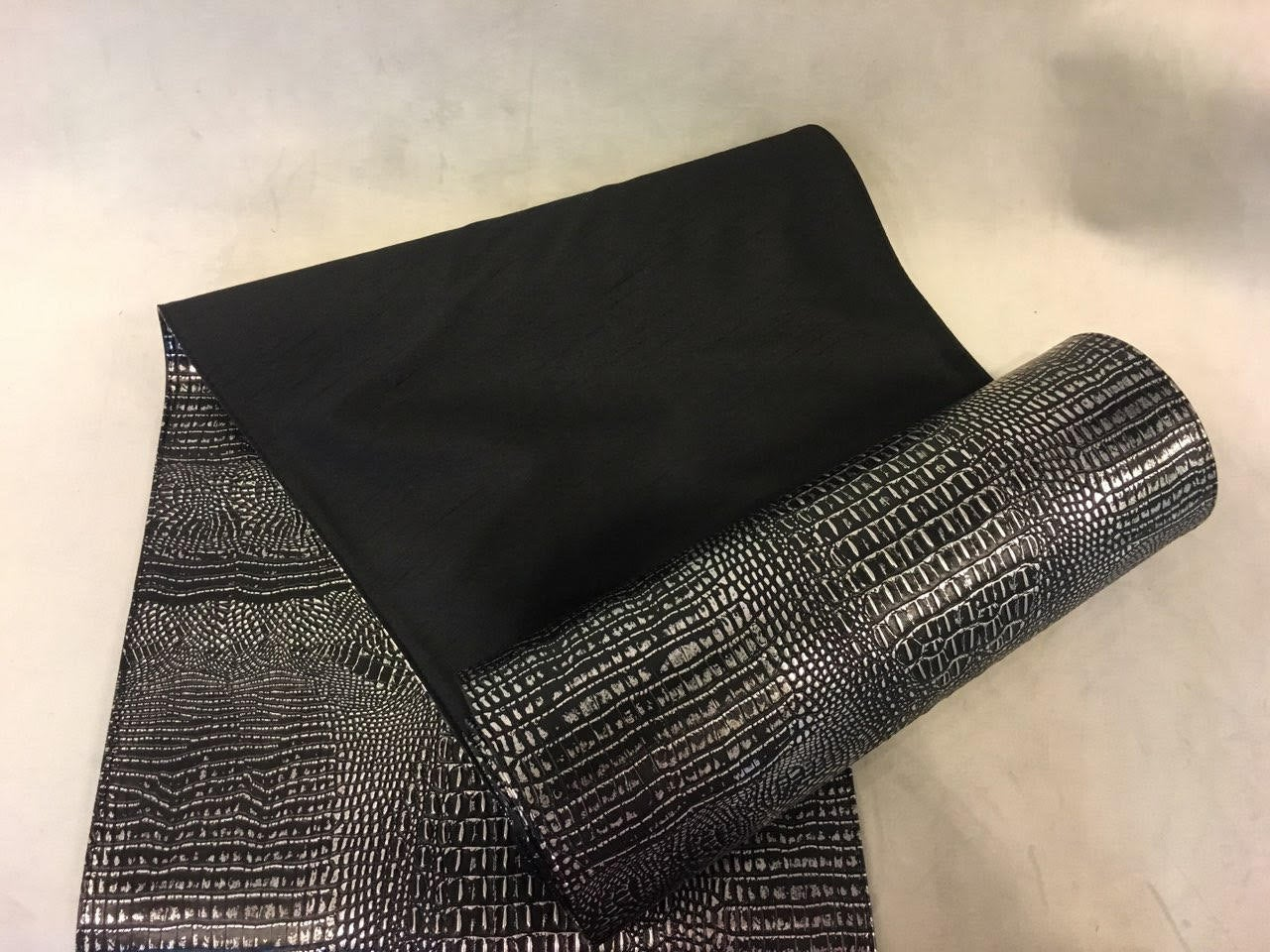 "Black Silver Alligator Embossed Faux Leather Vinyl Silk Back 14""x140"" Table Runner 