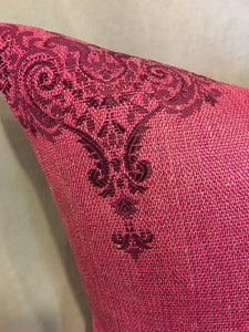 "Set of 2 Magenta Alessio Damask Metallic Embossed Faux Vinyl Zipper 18""x18"" Pillow Cases 
