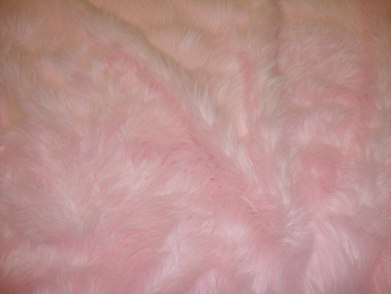 Light Pink Faux Shaggy Sheepskin Round 5' Diameter Area Rug || Home Decor