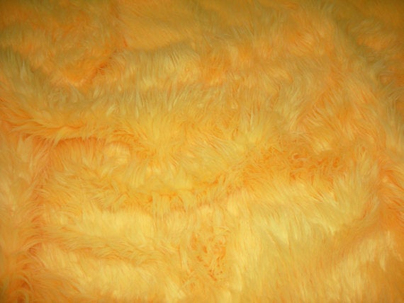 Canary Yellow Faux Shaggy Sheepskin Round 5' Diameter Area Rug || Home Decor