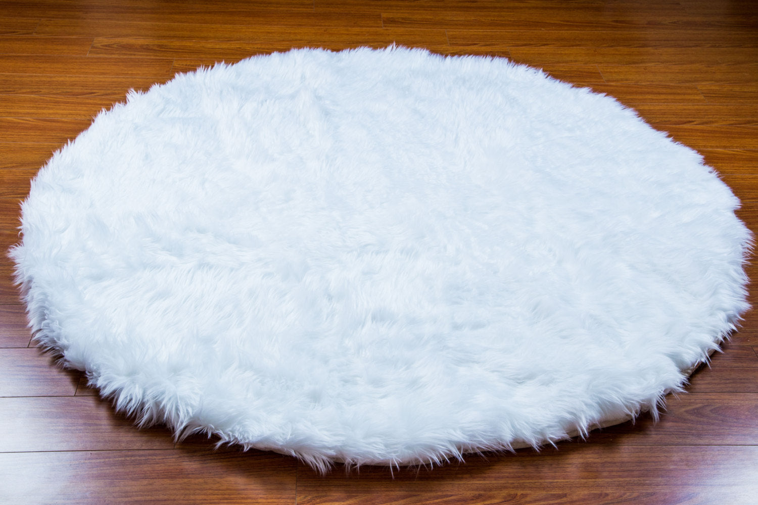 White Faux Shaggy Sheepskin Round 6' Diameter Area Rug || Home Decor