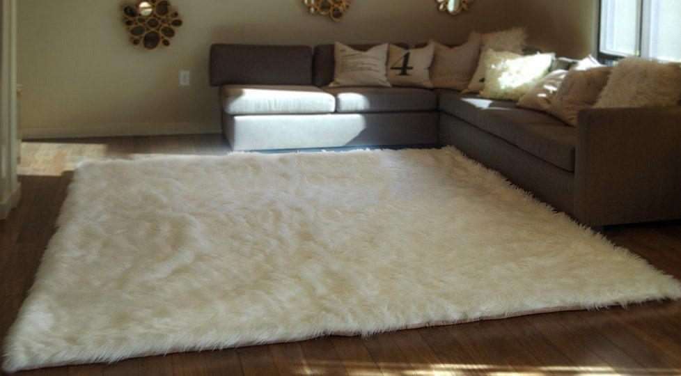 Off White Shaggy Plush Faux Fur Rectangular 3'x5' Area Rug || Home Decor