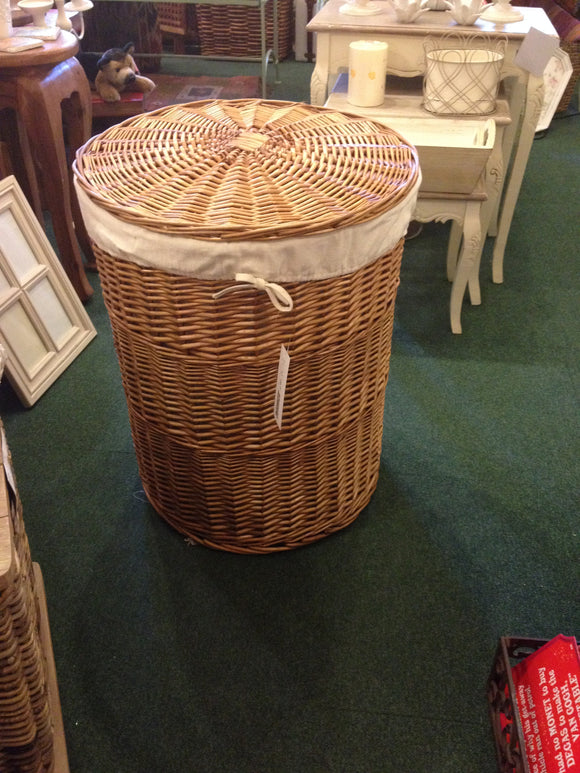 Buff Willow Round Linen basket with lid, Calico Lined