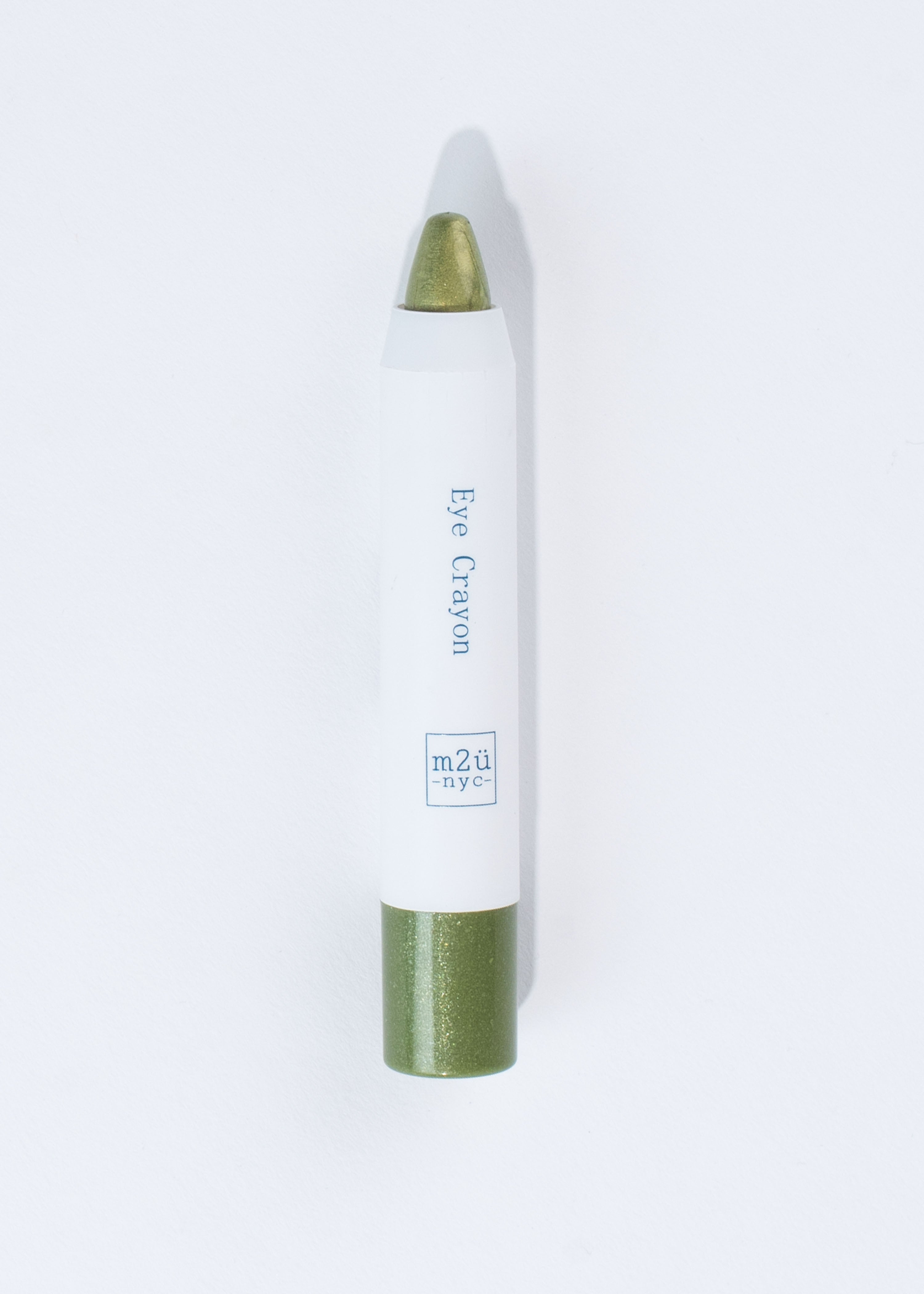 green pencil-like eyeshadow crayon in shade greenwich v