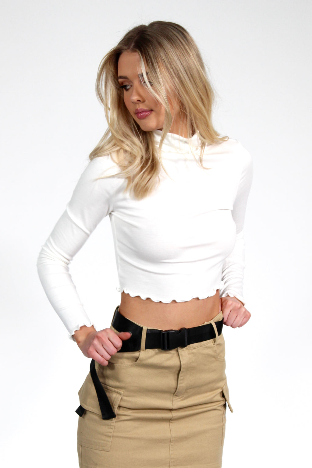 Colfax Avenue Turtleneck Top WHITE