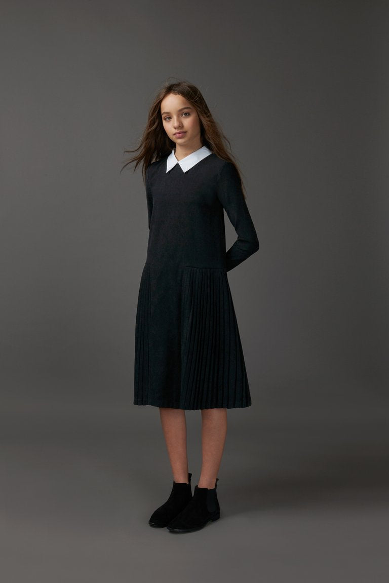 Black With White Collar Pleated Dress