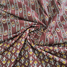 Load image into Gallery viewer, Mehroon Cotton Kantha Screen Print Top & Bottom-2.5 mtr each