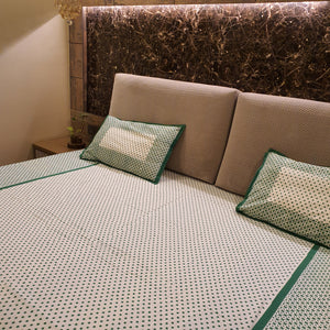 Green & White Polka Dots Pure Cotton Handloom Block Printed Bedsheet with 2 Pillow Covers(KING SIZE)